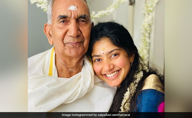 The Internet Loves Maari 2 Actress Sai Pallavi's 'Natural Beauty' In Pictures With Her Grandparents