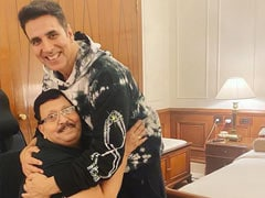 "<i>Bell Bottom</i>: Dad's Fanboy Moment Is Why Vaani Kapoor Thinks Akshay Kumar Is A ""True Gem"""