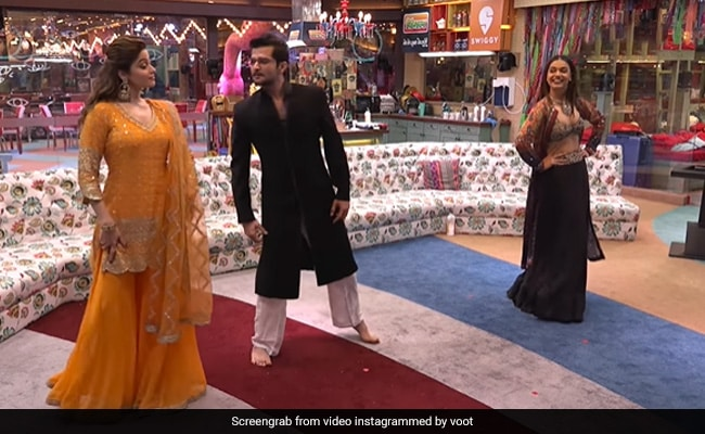 Bigg Boss OTT: Contestants Dance With Karan Johar As No Eviction This Week