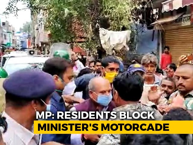 Video : Union Minister Faces Protest At Visit To Flood-Hit Area In Madhya Pradesh