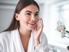 Skin Care Tips: ग्लोइंग और हेल्दी स्किन पाने के लिए बिना देर किए इन 5 सुपरफूड को डाइट में शामिल करें