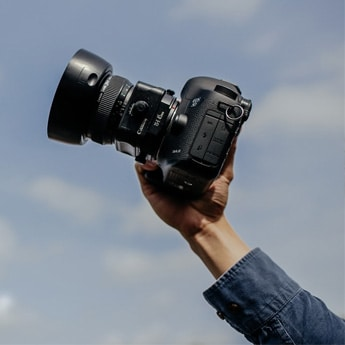 World Photography Day 2021: Become A Professional Photographer With These Best-Selling DSLRs