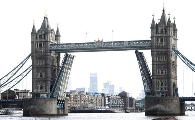 London's Tower Bridge Gets Stuck Open For 2nd Time In A Year
