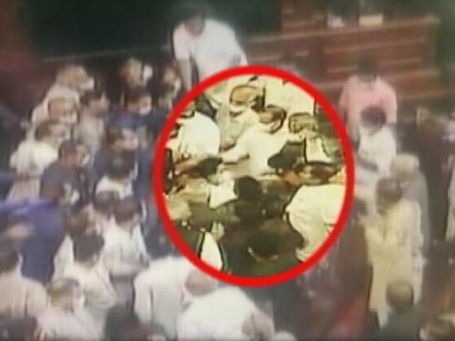 Video : Top News Of The Day: Opposition MPs-Marshals Jostle In Fresh Parliament Row