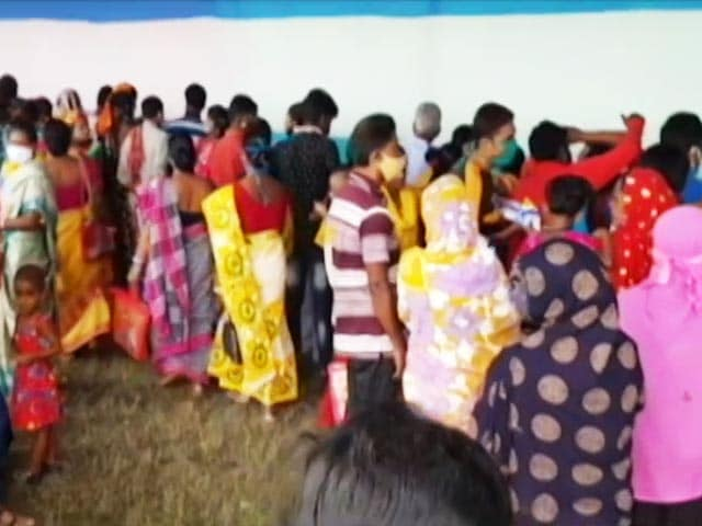 Video : Thousands Of Bengal Women Apply In Mamata Banerjee's Financial Aid Scheme