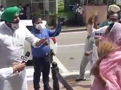 On Camera, Akali's Harsimrat Badal, Congress Leader's Shouting Match