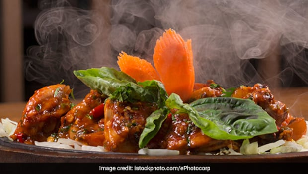 Chicken Sizzler And More: 3 Ways To Make Restaurant-Style Sizzlers At Home