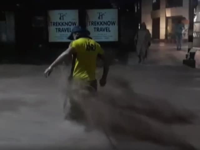 Video : Watch: State Disaster Force Rescues People Caught In Flash Floods In Dehradun