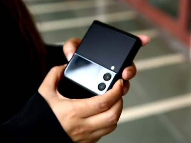 Video : Samsung Galaxy Z Flip 3: Making Smartphones Cool Again?