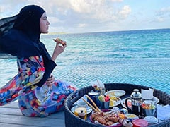 """Sana Khan Is Living The Maldives Dream. Her Floating Breakfast Came With A """"Beautiful View"""""""