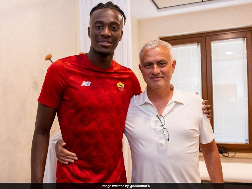 Tammy Abraham Completes AS Roma Switch From Chelsea For 40 Million Euros