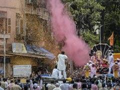 Mumbaikars Bid Adieu To Lord Ganesh Amid Steps To Prevent Covid Spread