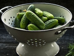 7 Vibrant Colanders To Go With Your Attractive Kitchen Collection