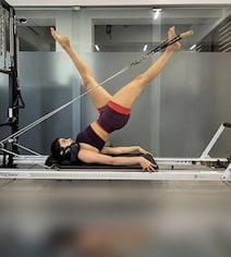 'Pilates Girl' Janhvi Kapoor Began Her Weekend Like This