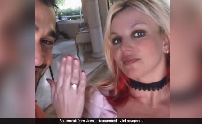 Watch: Britney Spears Announces Engagement To Boyfriend Sam Asghari