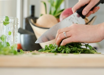 5 Chopping Tools You Need To Have In Your Kitchen
