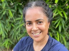 """Sameera Reddy's Dad Asked Why She """"Isn't Covering Her White Hair."""" She Had The Best Reply"""