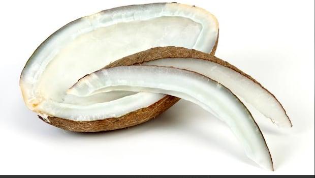 Benefits Of Eating Dry Coconut: 4 Amazing Benefits Of Eating Dry Coconut
