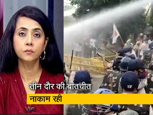 Video : बड़ी खबर : करनाल में पानी की बैछारों से नहीं रुके किसान, मिनी सचिवालय का घेराव किया