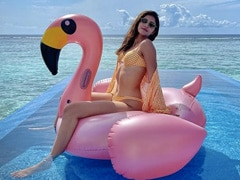 """""""Glamingo"""": Ananya's Perfect Caption For These Stunning Pics From Maldives"""