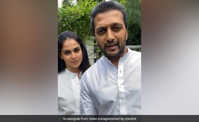 Riteish Deshmukh's Epic Response To Troll Who Called Genelia D'Souza 'Vulgar'