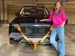 Actor Kriti Sanon Brings Home The Mercedes-Maybach GLS 600 Worth Rs. 2.43 Crore