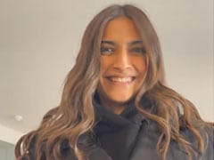 """Anand Ahuja Thinks Sonam Kapoor Is """"Being Dramatic"""" In This Video. But He Finds It Cute"""
