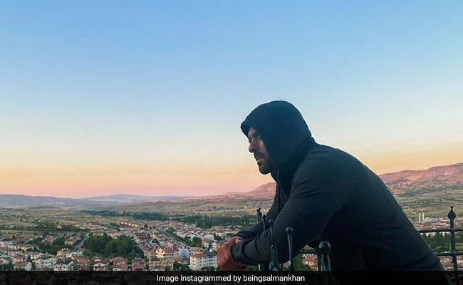 Tiger 3: Salman Khan Woke Up To This Gorgeous Sunrise In Turkey's Cappadocia