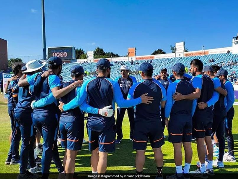 """Ravi Shastri, Indian Cricket Team Coaching Staff Awaiting """"Fit To Fly"""" Certificate In Order To Return Home, Says BCCI Official: Report"""
