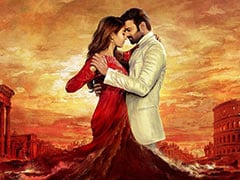 """Rift Between <I>Radhe Shyam</I> Co-Stars Prabhas And Pooja Hegde Over Punctuality? """"Completely Baseless,"""" Say Makers"""