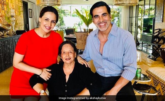 Akshay Kumar's Mother Aruna Bhatia Dies. He Writes, 'Today I Feel An Unbearable Pain'