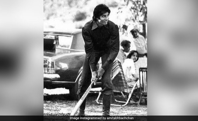 Throwback To When Amitabh Bachchan Played Cricket On Mr Natwarlal Set. But The Bat Was...