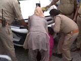 Video : UP Dengue Infection: Desperate Scenes Outside Firozabad Hospital