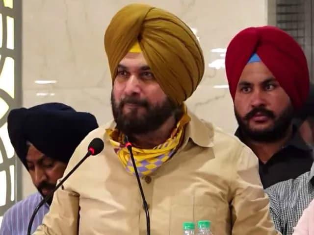 """Video : """"Baffling"""": Punjab Congress Leader's Swipe Over Support For Navjot Sidhu"""