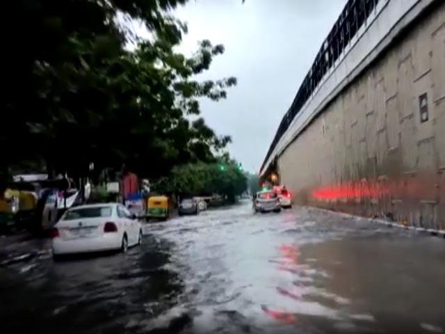 Video : Record Delhi Rain Causes Water Logging, Traffic Disruptions