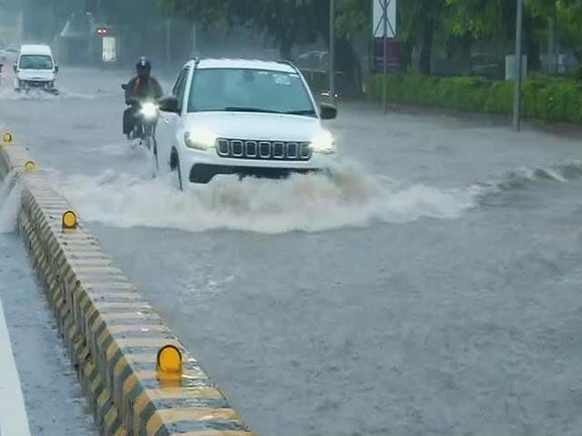 Video : Record Rain In Delhi In 12 Years; Big Jams After Heavy Rush Hour Spell