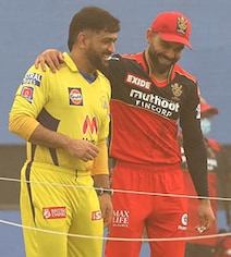 Watch: Dhoni, Kohli Engrossed In Conversation As Sandstorm Delays Toss