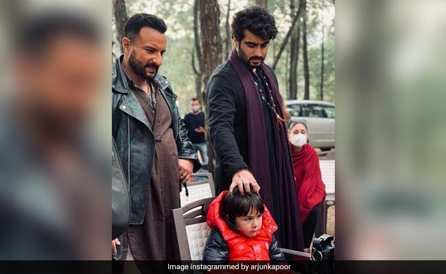 Arjun Kapoor's Belated Birthday Wish For Kareena Kapoor Is Just An 'Excuse' To Post This Pic Of Taimur And Saif