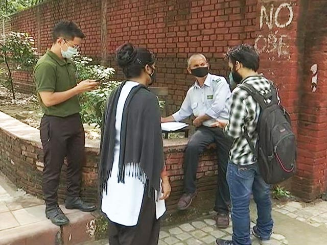 Video : Delhi University To Resume Offline Classes For Final Year UG, PG Students Today