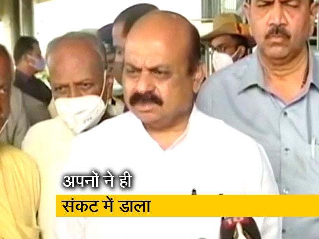 Videos : गणेश चतुर्थी उत्सव को लेकर कर्नाटक के CM पर दवाब, बीजेपी के विधायकों ने दी धमकी