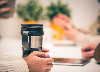 4 Travel-Friendly Coffee Flasks You Must Try