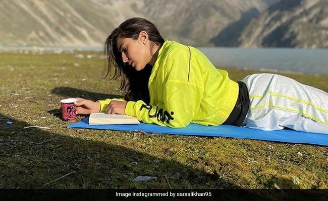 Sara Ali Khan Shares Pics From Kashmir's Sheshnag Lake And They Are All About 'Sunny Rays And Starry Nights'