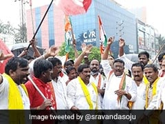 Congress, Left Parties Join Farmers' <i> Bharat Bandh </i> Protest In Telangana