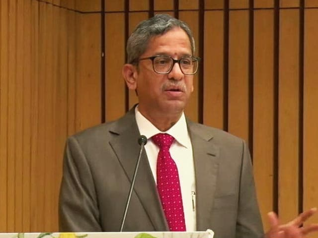 """Video : """"Your Right..."""": Chief Justice On 50% Representation For Women In Judiciary"""