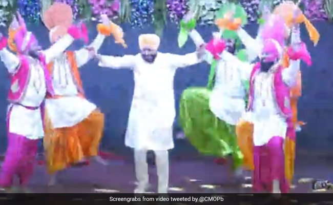 Watch: Punjab Chief Minister's Impromptu Bhangra At College Event