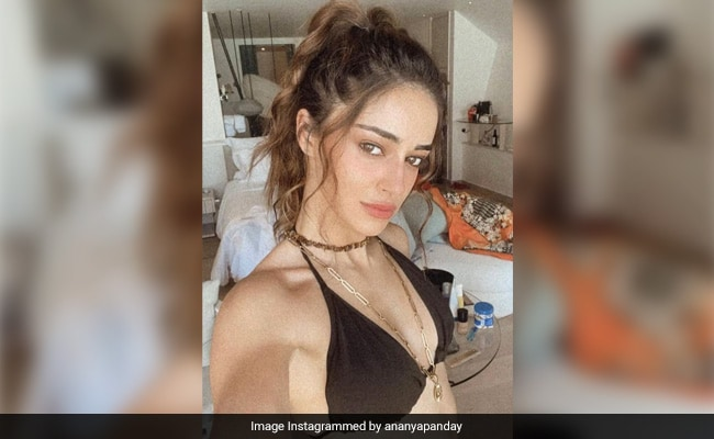 Ananya Panday Is A 'Hot Mess' In This Pic From The Maldives