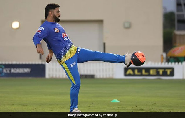 MS Dhoni, CSK Players Warm Up For RCB Clash By Playing Football. See Pics