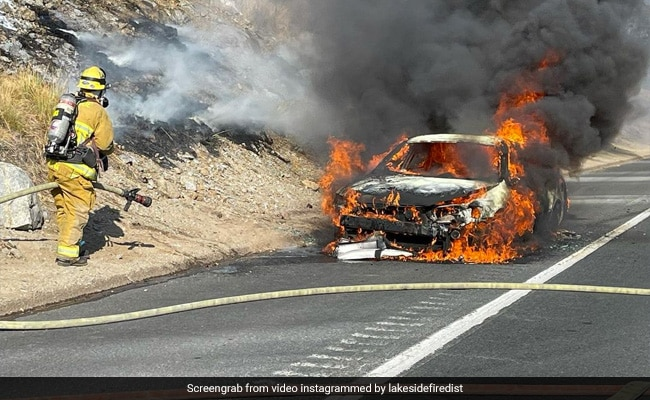 , Watch: Good Samaritans Rescue Elderly Couple From Burning Vehicle, The World Live Breaking News Coverage & Updates IN ENGLISH