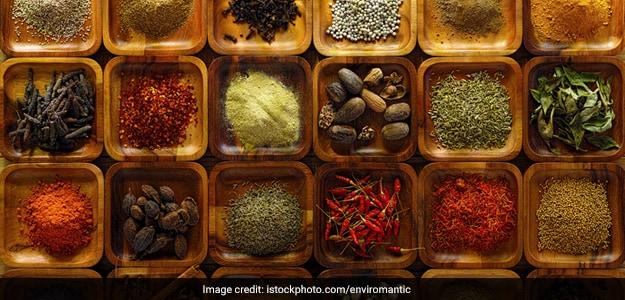 How To Make Spicy Sambar Masala, Chettinad-Style (Recipe Inside)