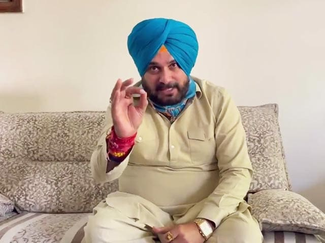 """Video : """"He (Navjot Sidhu) Acts Emotionally, At Times"""": Aide Says He'll Stay On"""